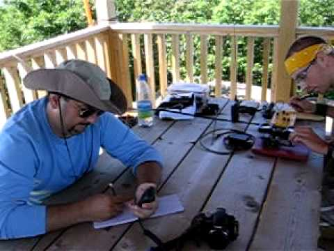 VE2/OU-001 SOTA Activation 7/23/11 - Eric working VA3QV on 2M SSB